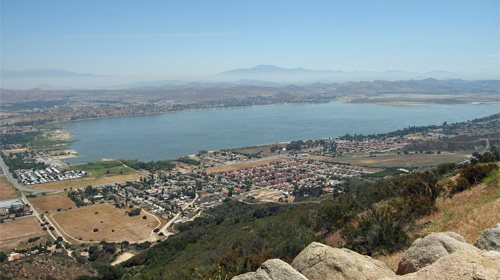 Lake Elsinore, California Wikpeida/miheco