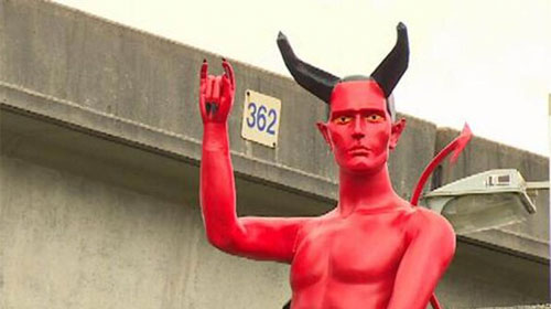 This 8' statue of Satan was briefly installed in a Vancouver Park: Image Murray Castonguay/Twitter
