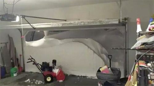 Here is what one person from Buffalo saw when they opened their garage door yesterday, November 18, 2014: Twitter