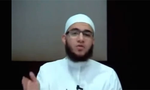 "Muslim Imam equates saying ""Merry Christmas"" with murder. YouTube Capture"