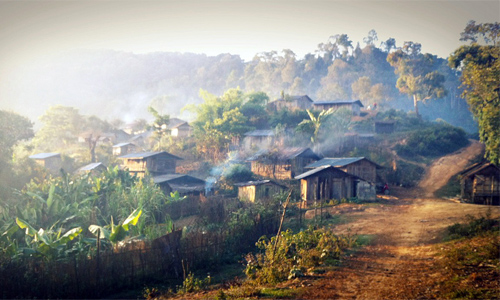 Laos village farf_/Foter/CC BY-NC