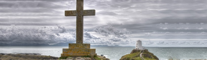 Ynys Llanddwyn Lighthouse, Newborough, Wales, England Photo: Alex Brown/Flickr