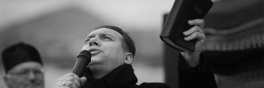 Praying during Ukraine revolution in 2014 Photo: Steve Evans/Flickr/Creative Commons