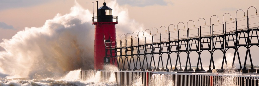 Roaring waves on Lake Michigan Photo: Mic Stolz/Flickr/Creative Commons