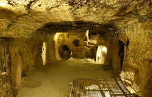 Large room in Kaymakli several stories below ground. Photo: musikanimal/Wikipedia