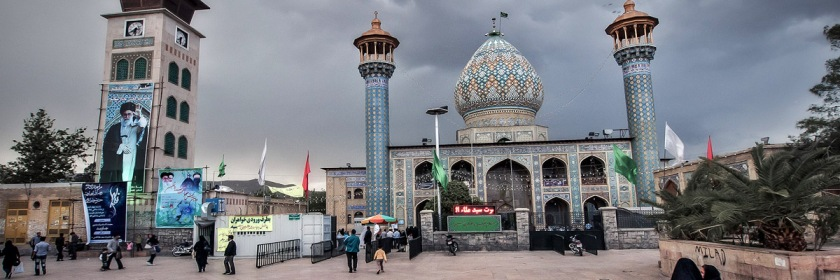 Muslim Shrine in Iran. You can see an image of the Ali Khomeni, the Supreme Leader of Iran, on the left. Photo: My life, the universe and ..../Flickr/Creative Commons