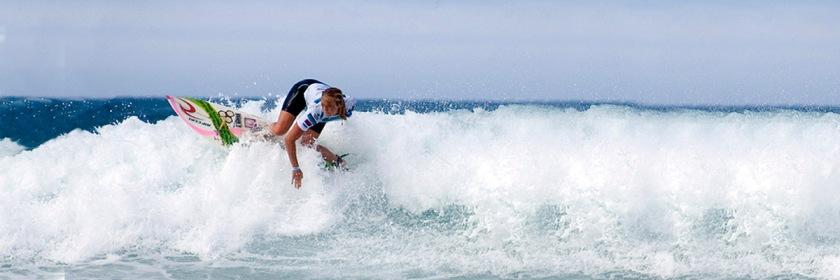 Bethany Hamilton surfing off the coast of Santiago, Galicia, Spain. Photo Valdovino.net/Flickr/Creative Commons