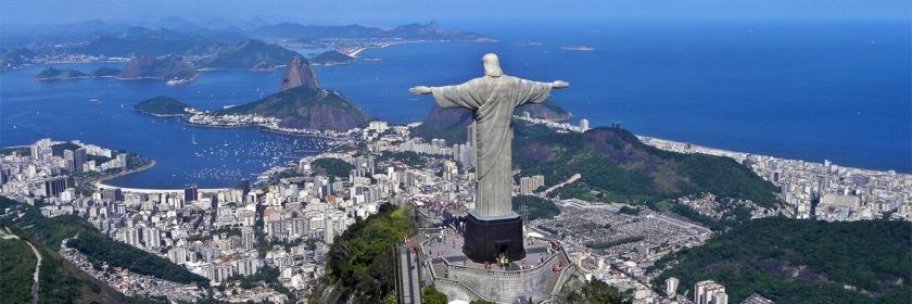 Christ the Redeemer statue overlooking Rio De Janerio Photo: Artyominc/Wikipedia