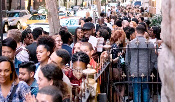 Carl Lentz's photo of people lining up on the street to attend a Hillsong service in New York City. Credit: Carl Lentz/Instagram