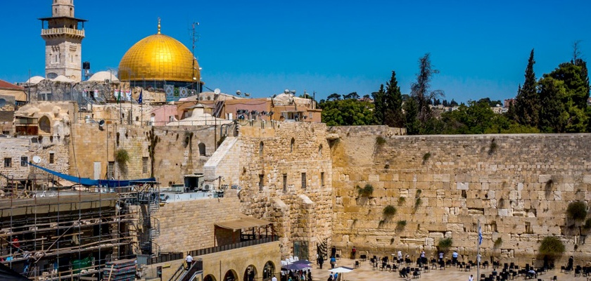 View of the Dome of the Rock and Western Wall. Many believe the Muslim Dome of the Rock is built on the original site of the Jewish Temple destroyed in 70 AD. Credit: Boris G/Flickr/Creative Commons