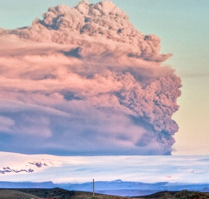 The plume from the 2010 eruption of Iceland's Eyjafjallajökull volcano. Credit: Gunnlaugur por Briem/Flickr/Creative Commons