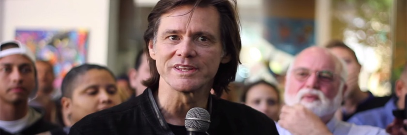 Jim Carrey addressing the crowd a Homeboy Industries: YouTube Capture