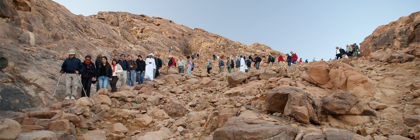 Visitors descending what is traditionally considered to be Mt. Sinai located in Egypt. (This is not the mountain that Richardson considers to be Mt. Sinai). Credit: Patrick M/Flickr/Creative Commons