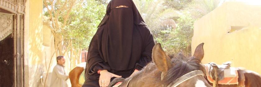 Woman wearing a niqab in Egypt. Credit: MezzoMezzo/Wikipedia/Creative Commons