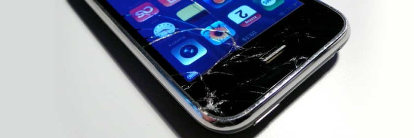 Broken cell phone Credit: Julian/Flickr/Creative Commons